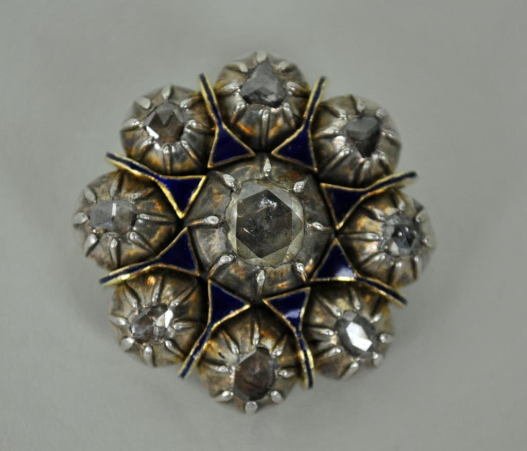 ANTIQUE DIAMOND & ENAMEL BROOCH, 2.00CTW