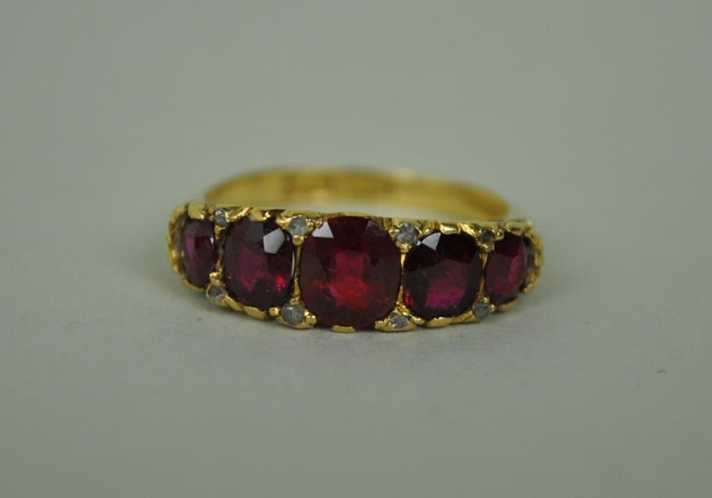 ENGLISH VICTORIAN RUBY & DIAMOND RING, 1.75CTW