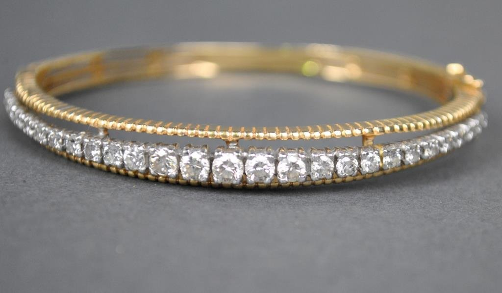 GOLD & DIAMOND HINGED BANGLE, 2.00CTW