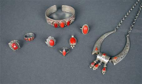 (8) PIECE CORAL JEWELRY GROUP