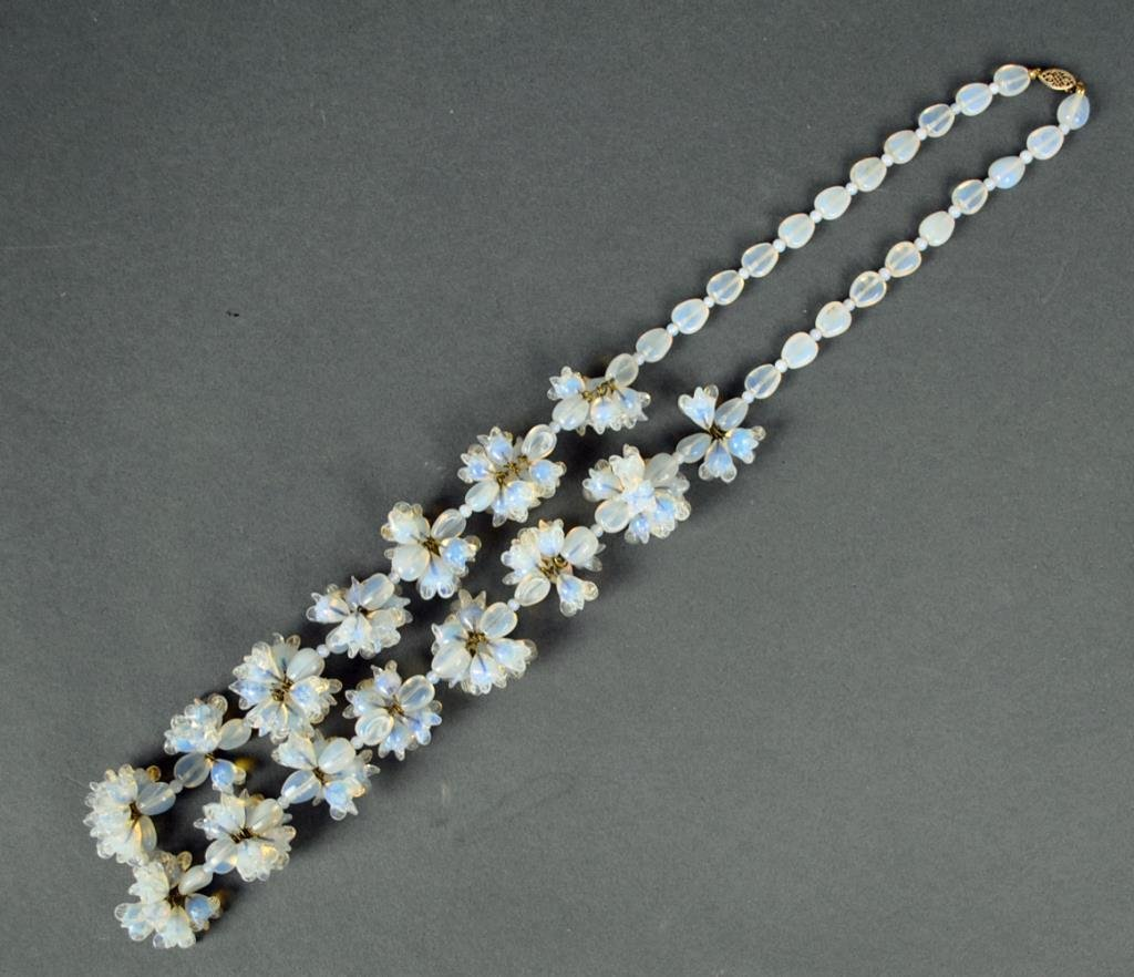 VINTAGE OPALINE BEADED NECKLACE