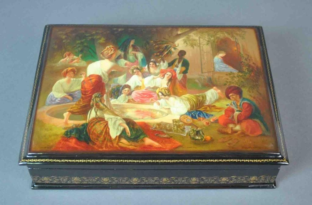 LARGE FEDOSKINO RUSSIAN LACQUER BOX