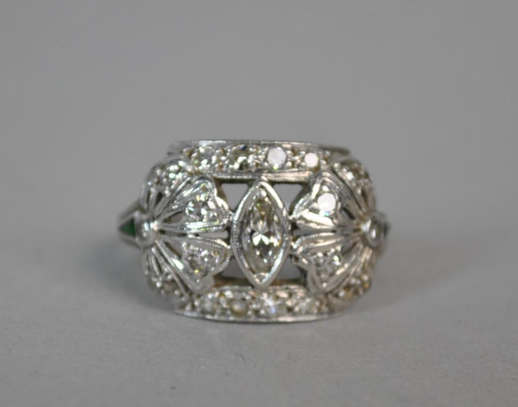 ART DECO PLATINUM, DIAMOND & EMERALD RING, 0.50CTW