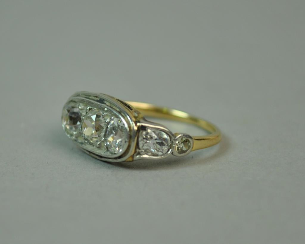 EDWARDIAN GOLD & PLATINUM DIAMOND RING, 1.20CTW
