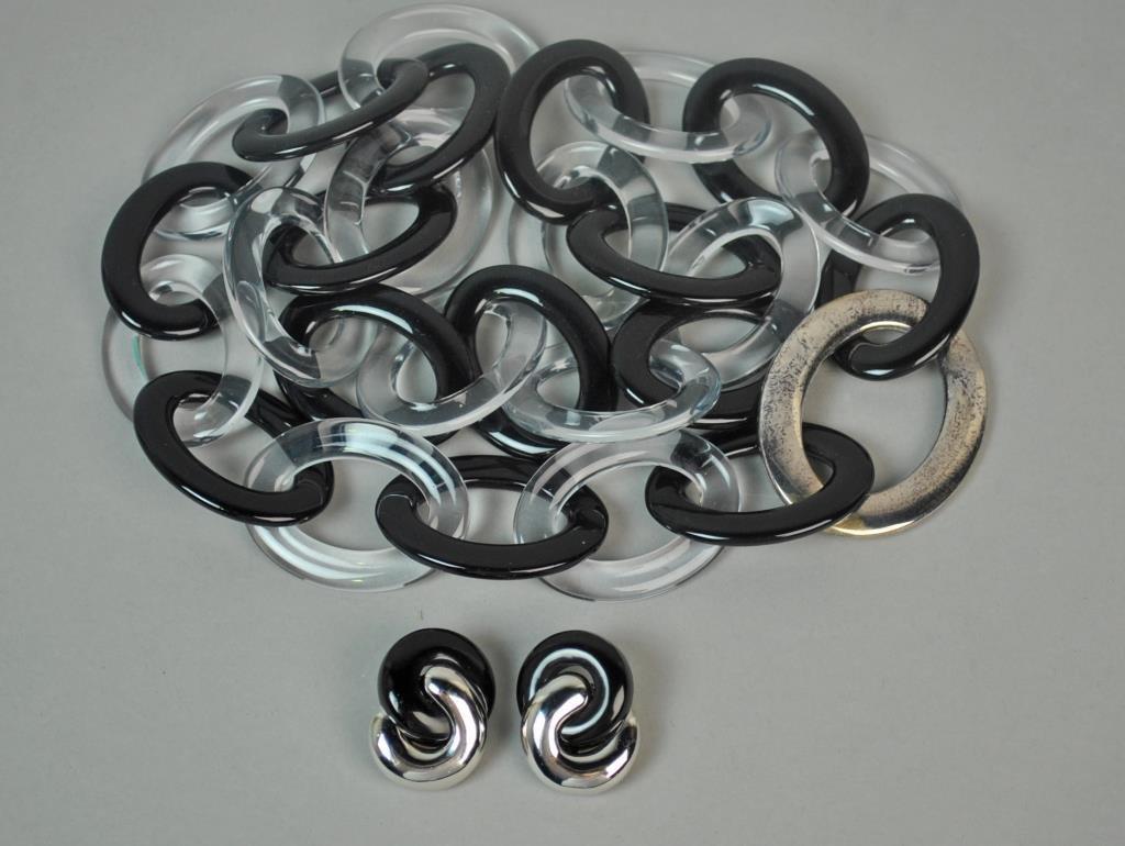 TIFFANY PALOMA PICASSO PLASTIC & SILVER NECKLACE