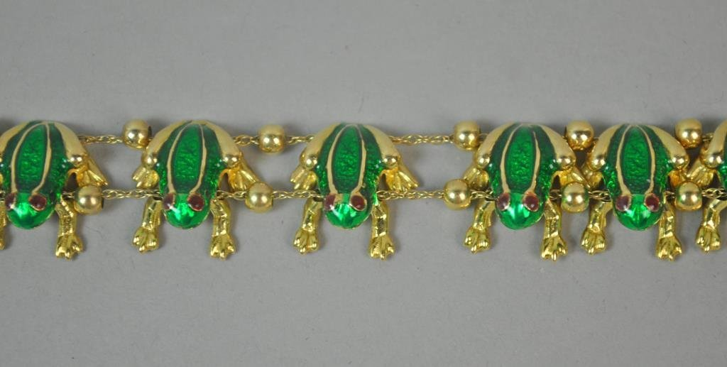 GREEN ENAMELED GOLD FROG BRACELET