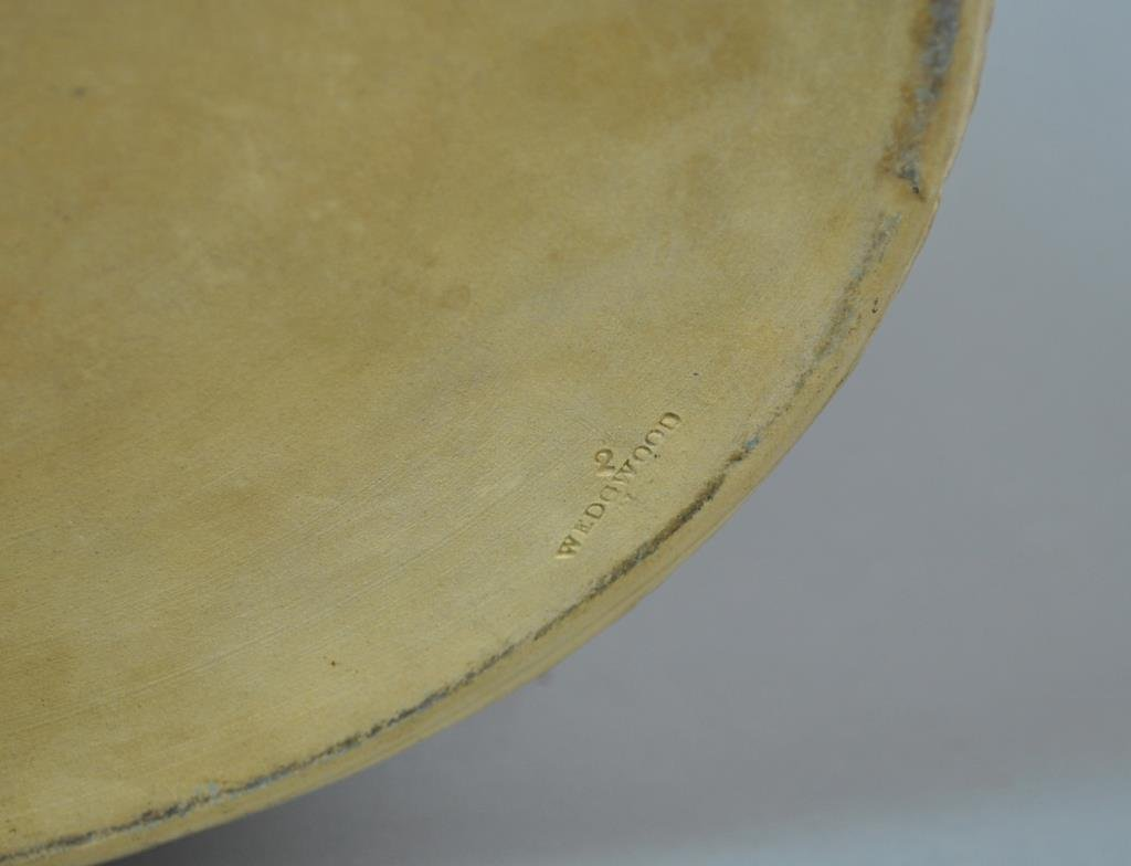 ANTIQUE WEDGWOOD CANEWARE GAME PIE DISH - 5