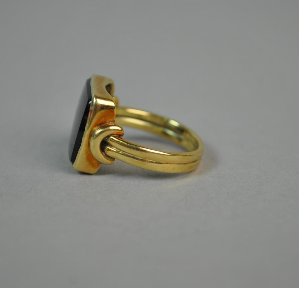 GENTS GOLD & ONYX DECO RING - 2
