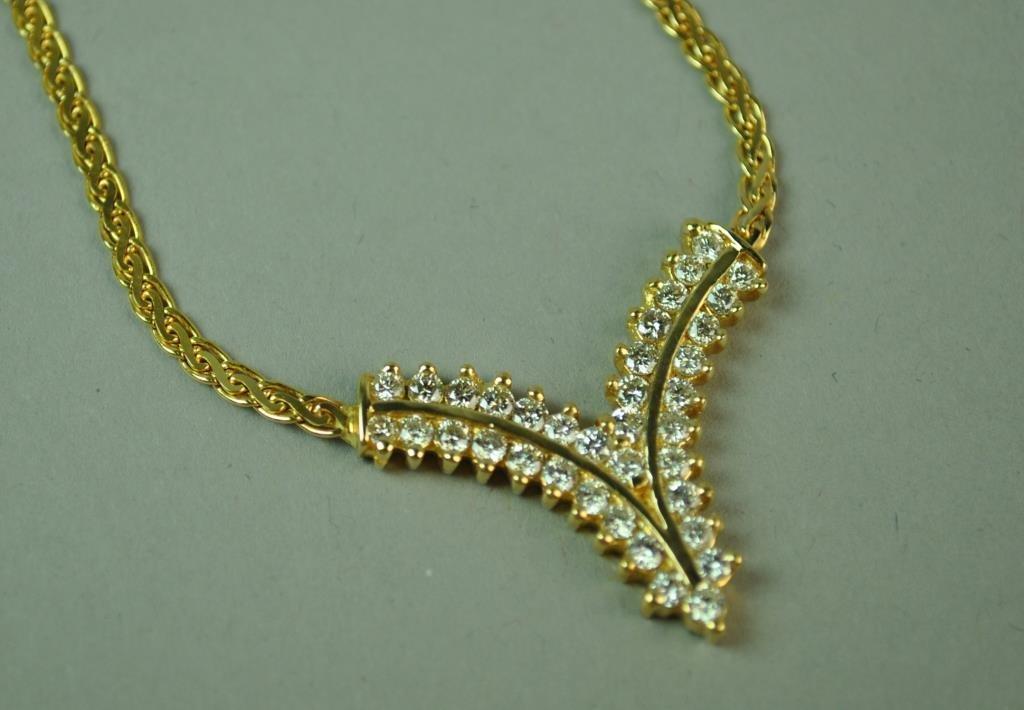 GOLD & DIAMOND CHEVRON NECKLACE, 1.08CTW