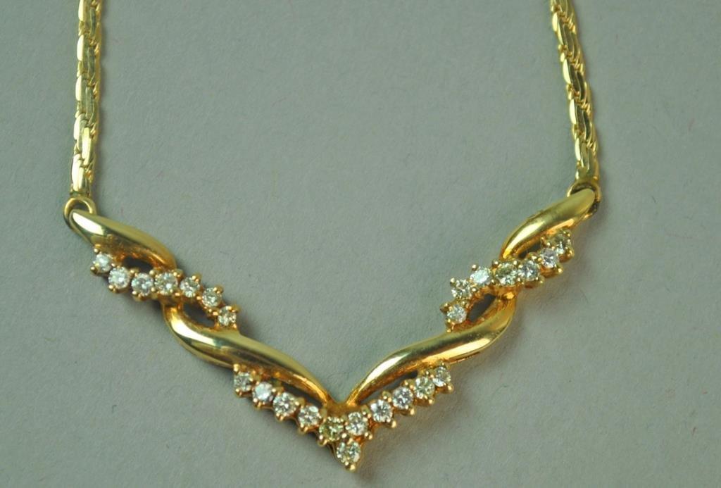 ITALIAN GOLD & DIAMOND CHEVRON NECKLACE
