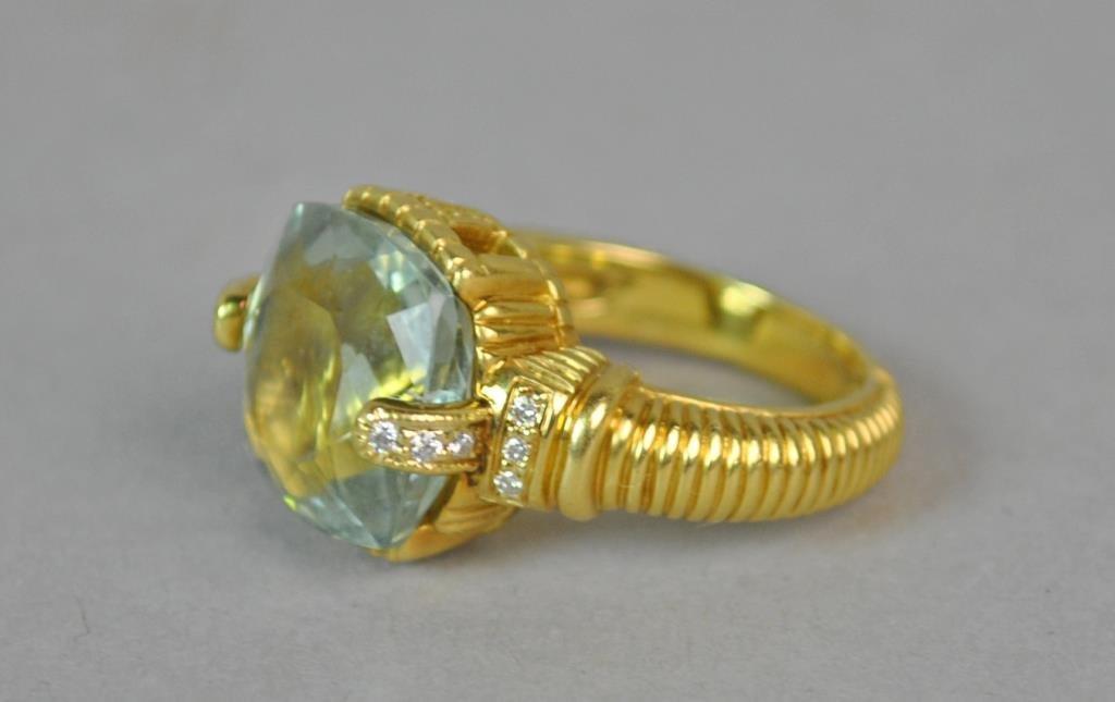 18K BLUE QUARTZ & DIAMOND RING