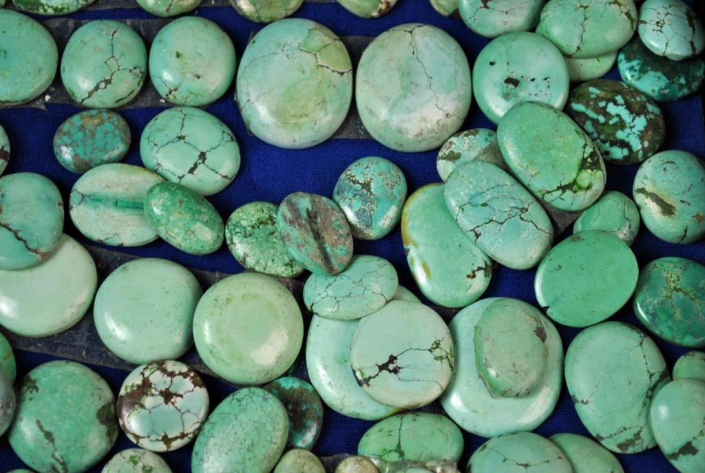 (70+) LOOSE TURQUOISE CABOCHON STONES - 3