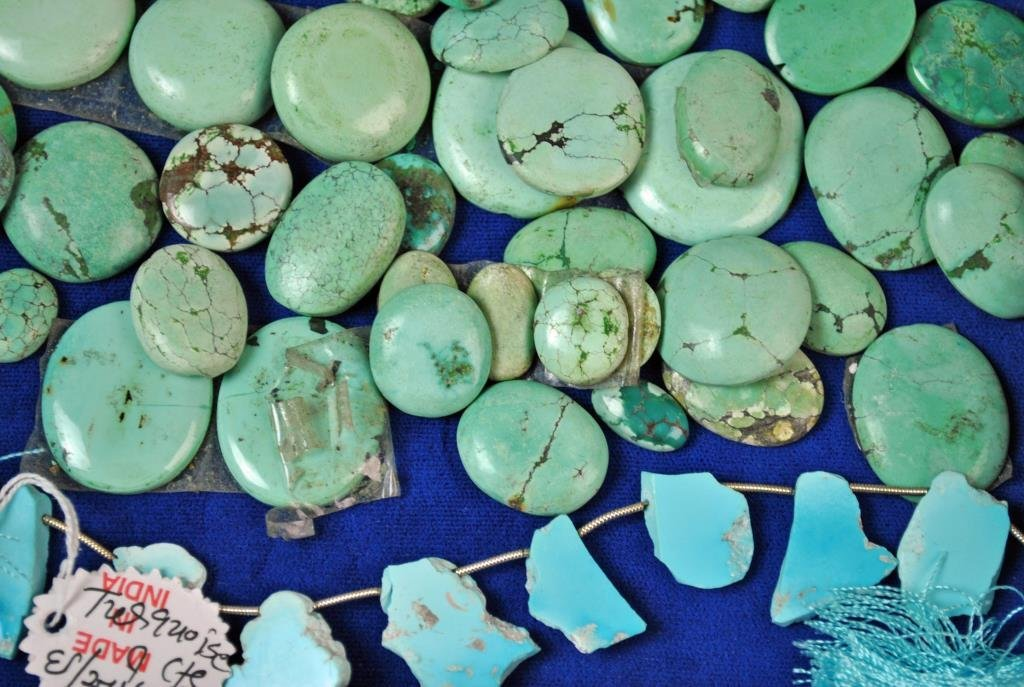 (70+) LOOSE TURQUOISE CABOCHON STONES - 4