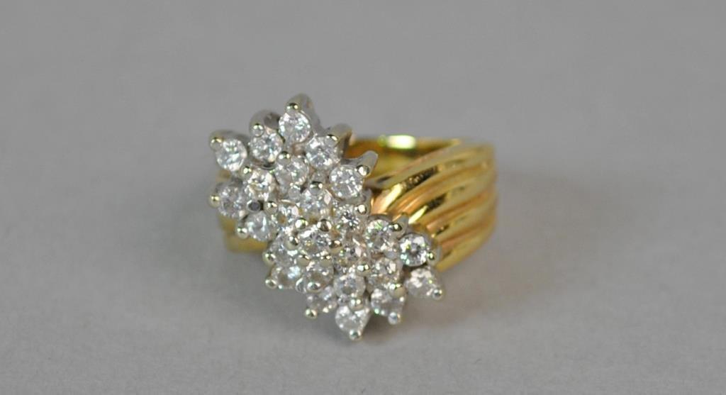 GOLD & DIAMOND CLUSTER RING, 0.75CTW