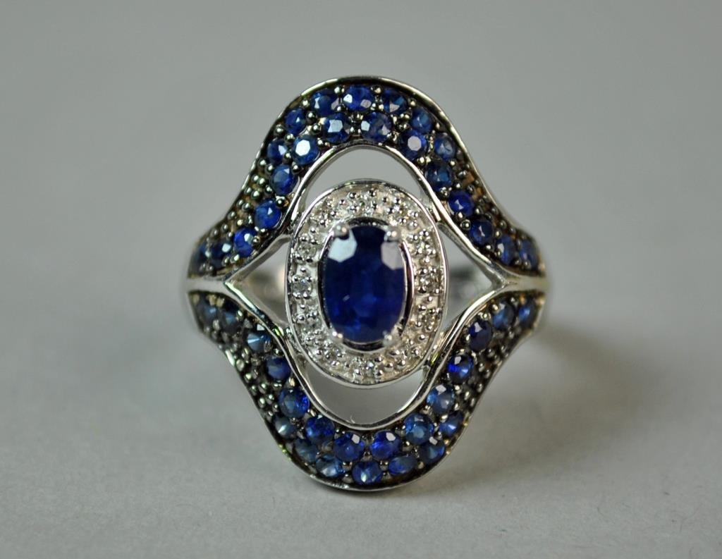 SAPPHIRE & DIAMOND RING, 1.60 CTW