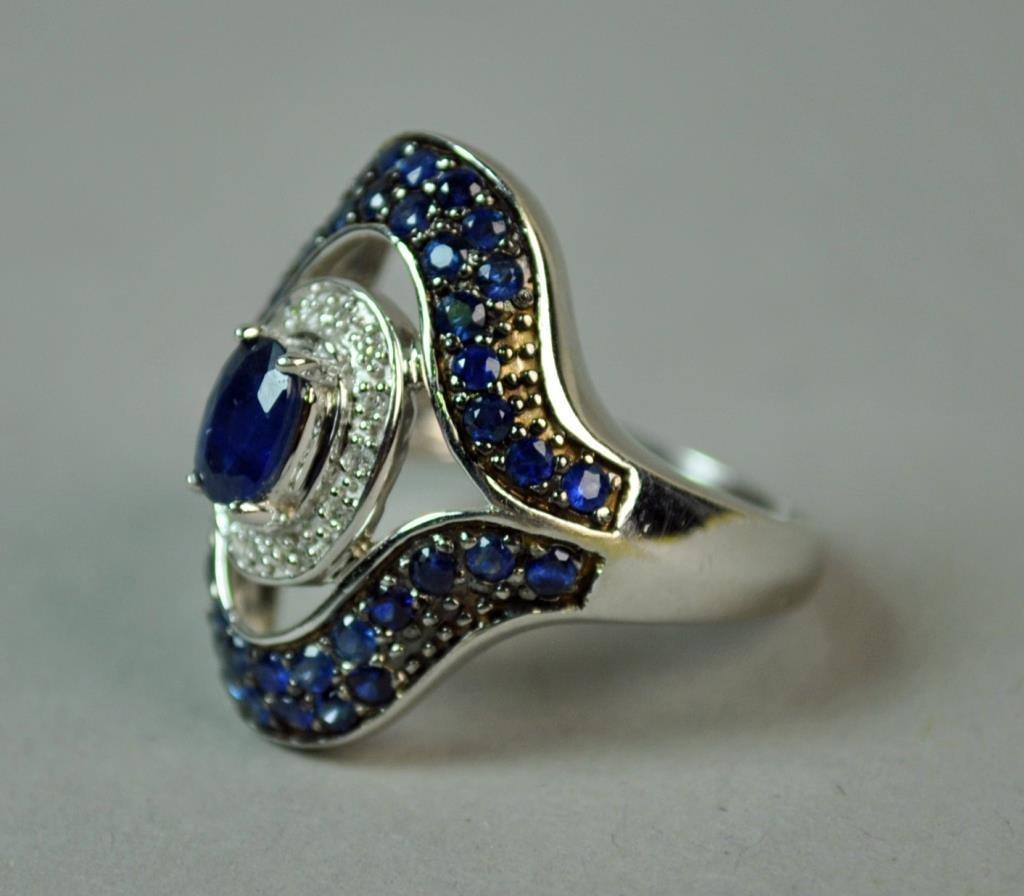 SAPPHIRE & DIAMOND RING, 1.60 CTW - 2