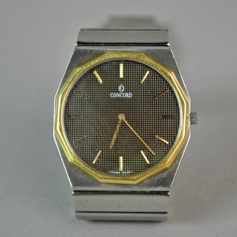 GENTS CONCORD MARINER WRISTWATCH WITH 18K BEZEL