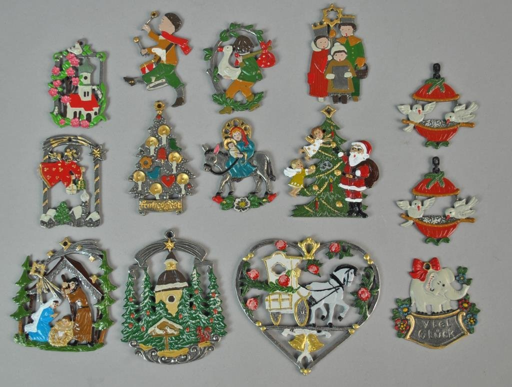 (31) PIECE VINTAGE CHRISTMAS GROUP - 8