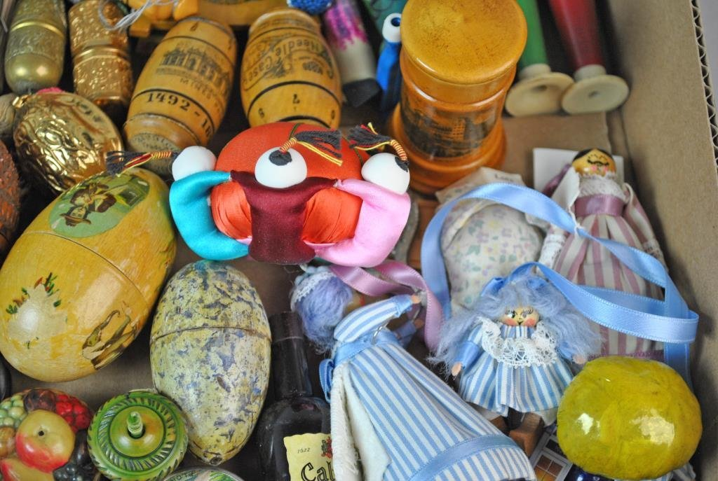 LARGE GROUP OF SEWING COLLECTIBLES - 5