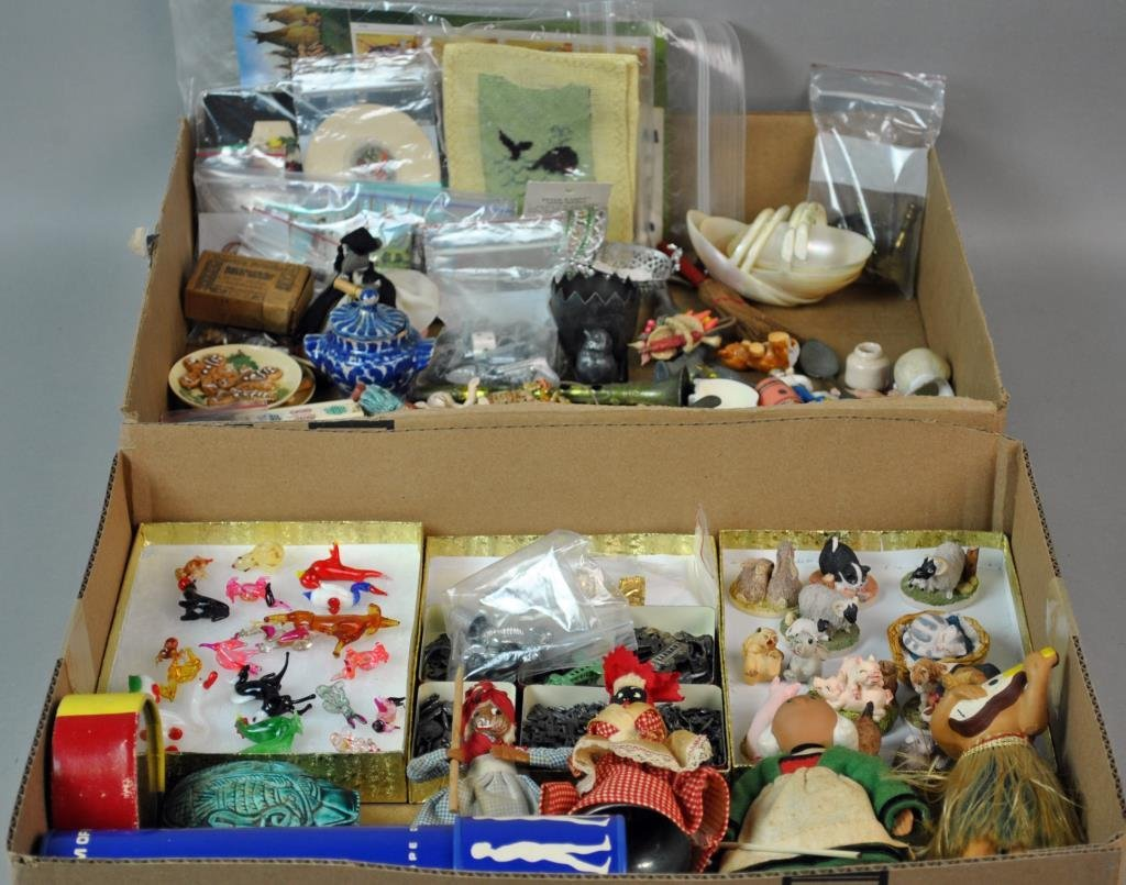 LARGE GROUP OF SMALL & MINIATURE COLLECTIBLES
