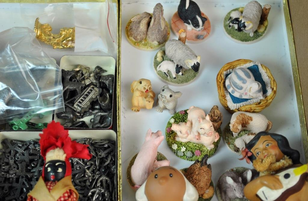 LARGE GROUP OF SMALL & MINIATURE COLLECTIBLES - 7