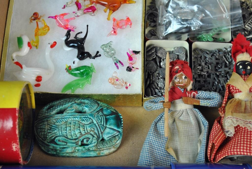 LARGE GROUP OF SMALL & MINIATURE COLLECTIBLES - 9