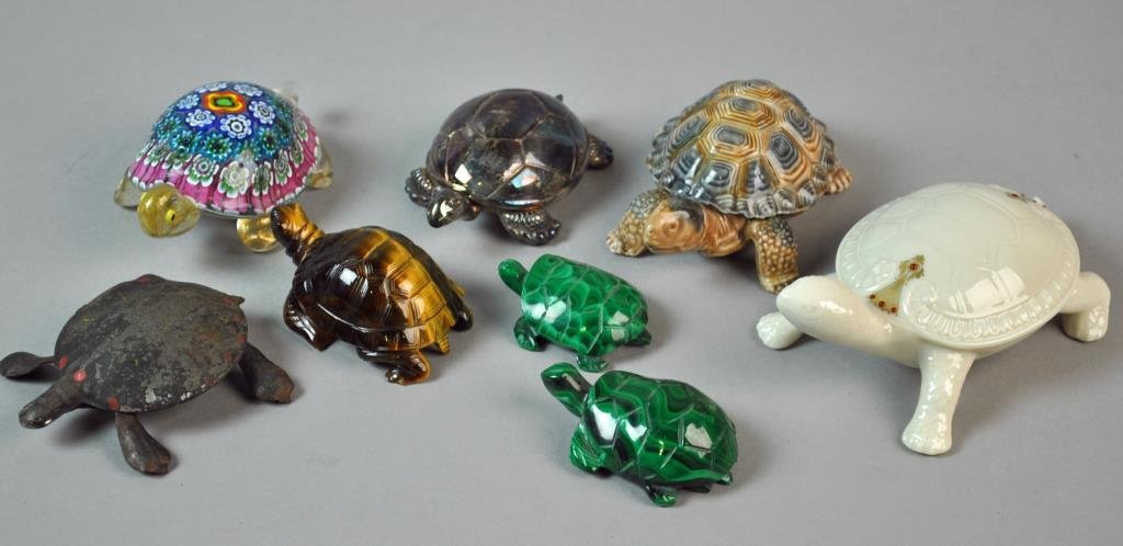 (27) PIECE COLLECTIBLE TURTLE GROUP