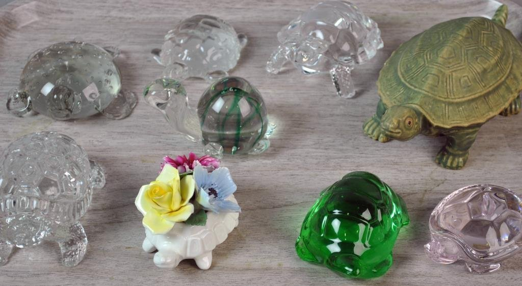 (27) PIECE COLLECTIBLE TURTLE GROUP - 9