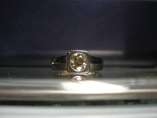1007: White gold ring, 14kt, light brown, 0.70ct , p1