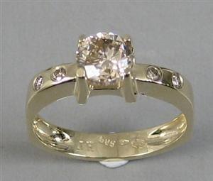 1015: Diamond ring, yellow gold14kt,1.01ct, SI3