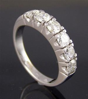 1018: Diamod Ring, GH color, 1.15ct