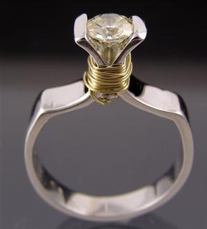 1019: White gold ring, 0.70ct, GH color