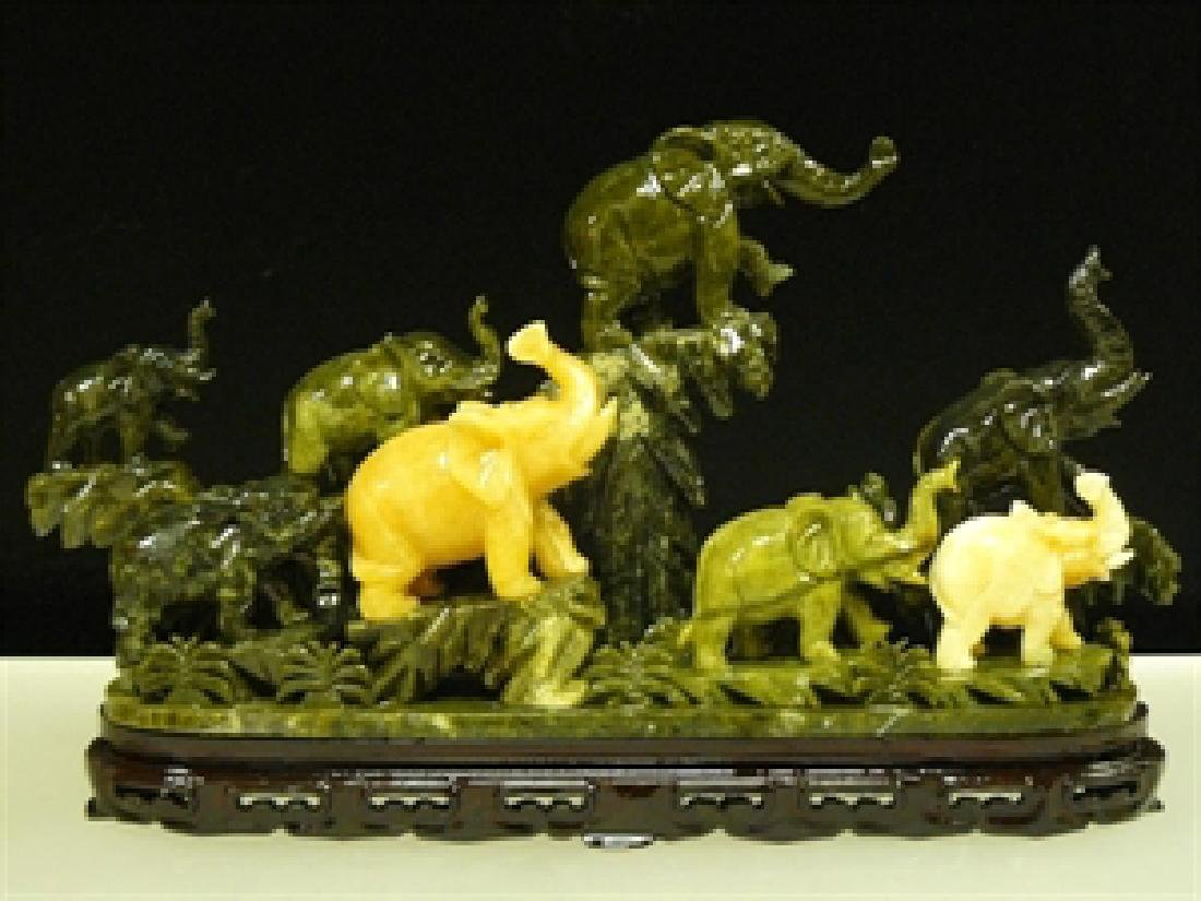 HANDCRAFTED JADE 8 ELEPHANTS MOUNTAIN