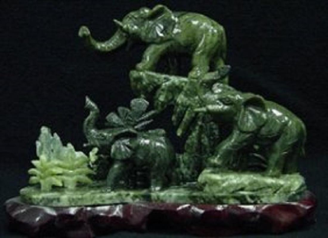 REAL JADE 3 ELEPHANTS MOUNTAIN