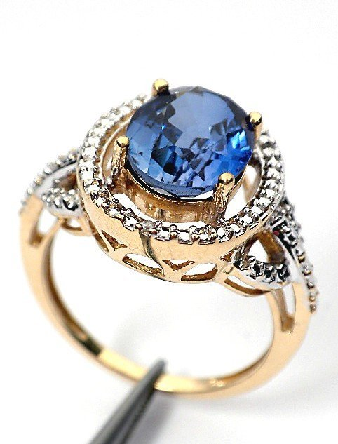 51: AIG Certified 10KT Yellow gold sapphire and diamond