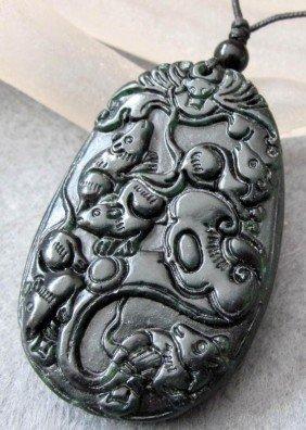 22: 220 CT Black Green Jade Five Rats Bat Ru-Yi