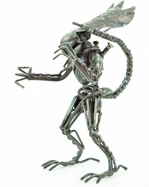 22: Predator Hunter, Metal Art Statue