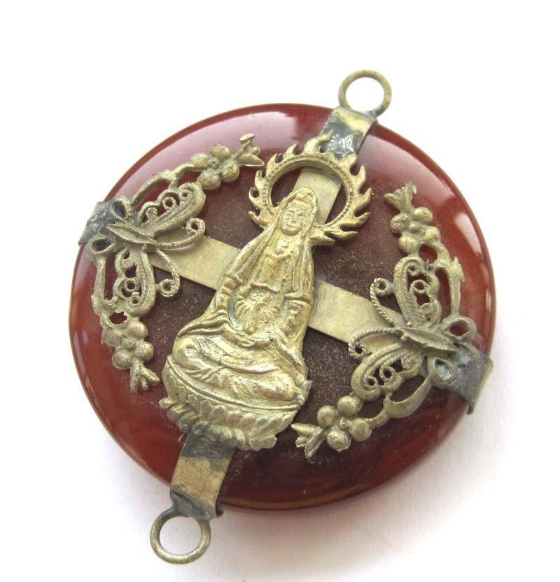 9: Red Jade Alloy Kwan-Yin Pendant