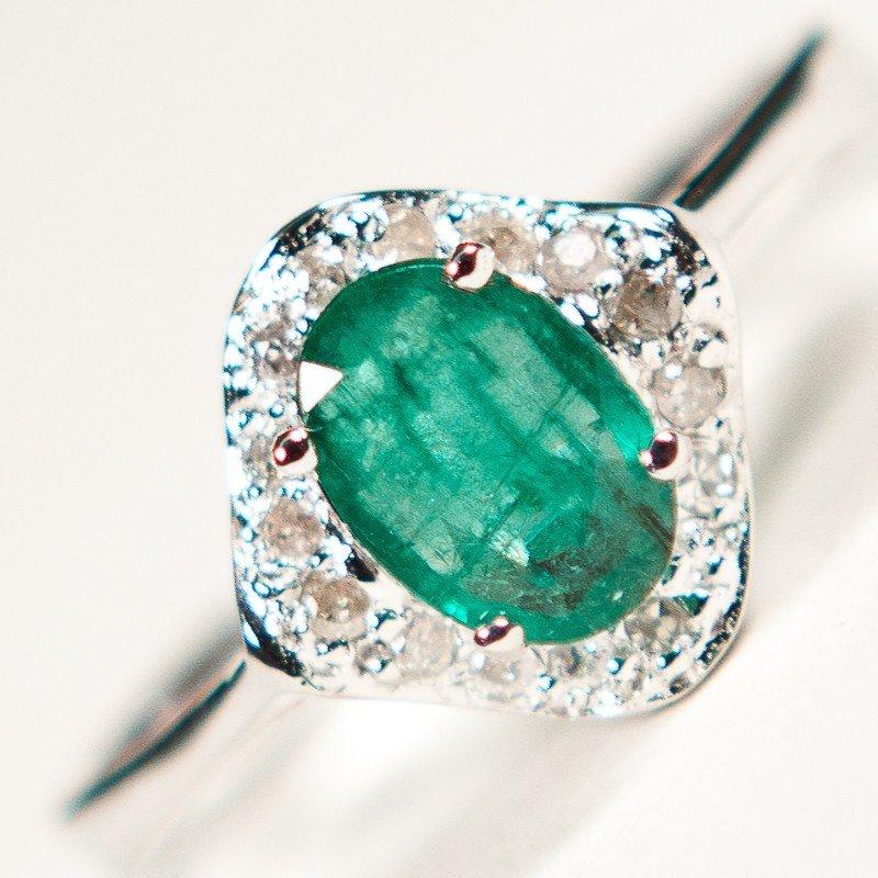 216: Columbia Emerald & Diamond Ring Appraised $7,700