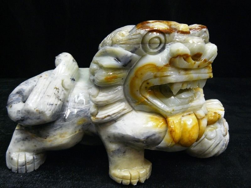 129: Hand Carved Oily Jade Lion / Foodog