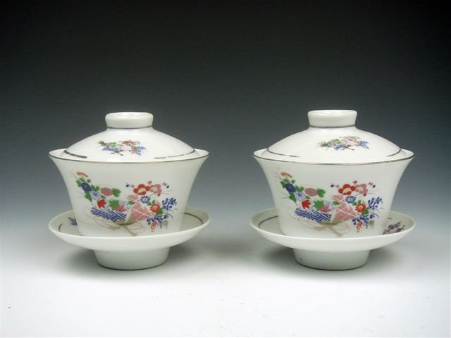 4: Chinese Hand Painted Porcelain Tea Cups Set Pair