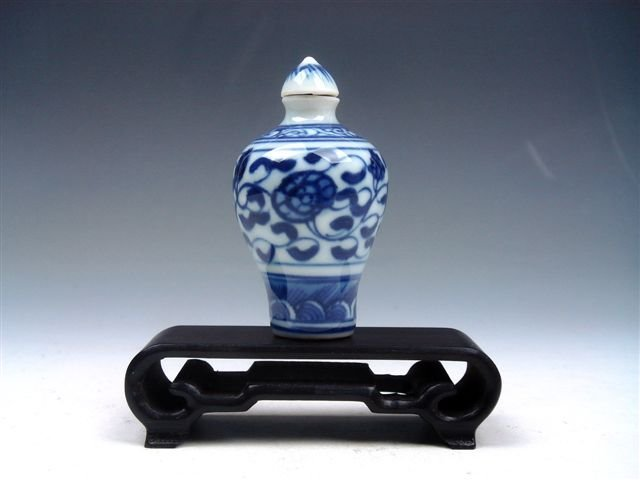 17: Chinese QingHua Flowers Hand Painted Snuff Bottle