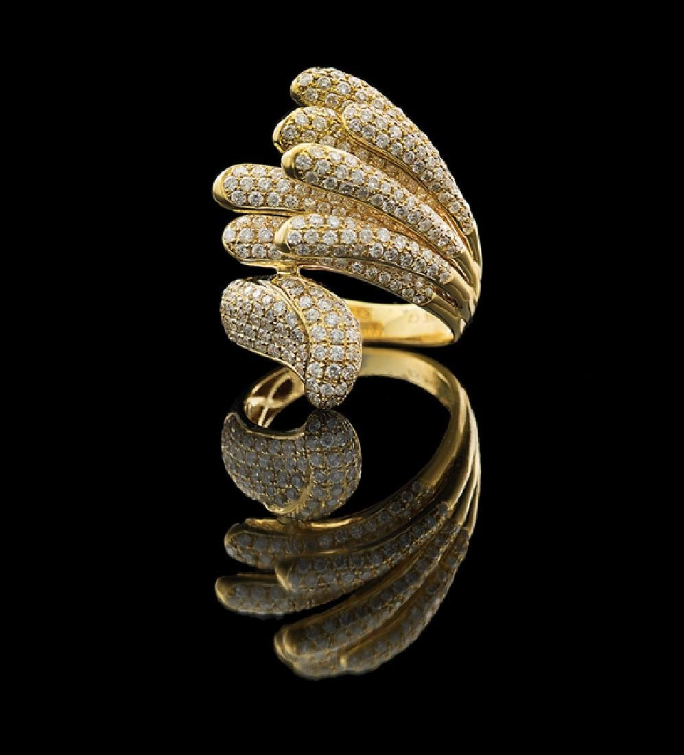18 Kt. Gold and Diamond Ring