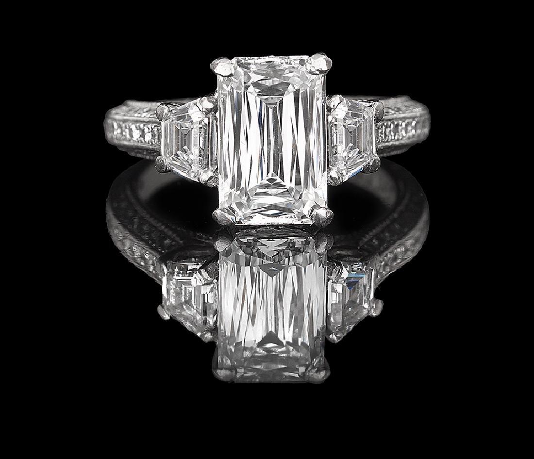 Spectacular Diamond Ring