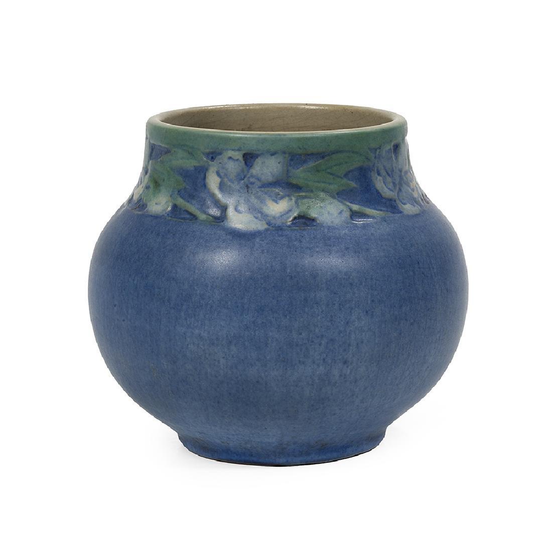Newcomb College Art Pottery, matte-glazed vase, 1926,