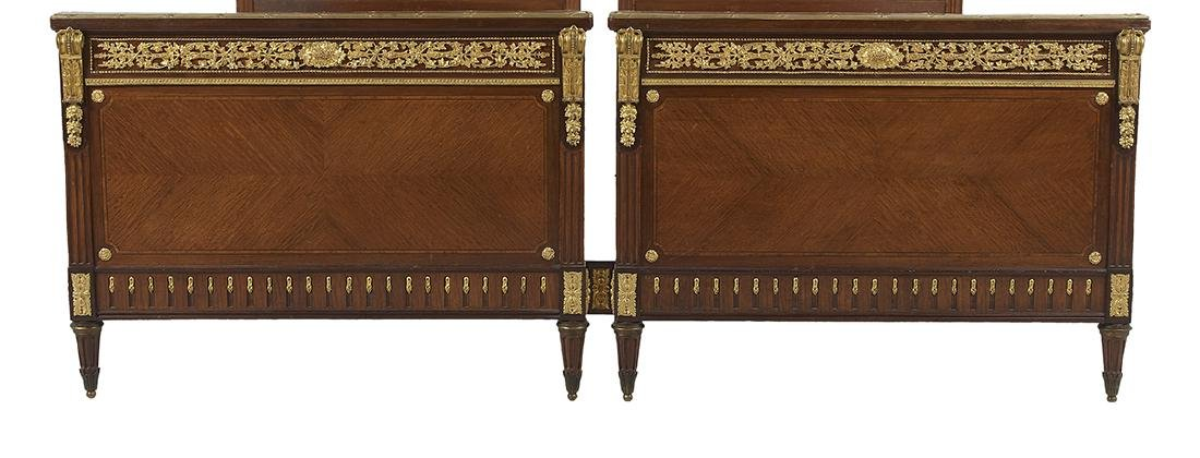 Louis XVI-Style Mahogany King-Size Bed - 3