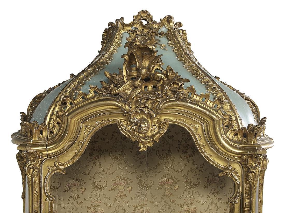 Louis XV-Style Giltwood Vitrine - 3