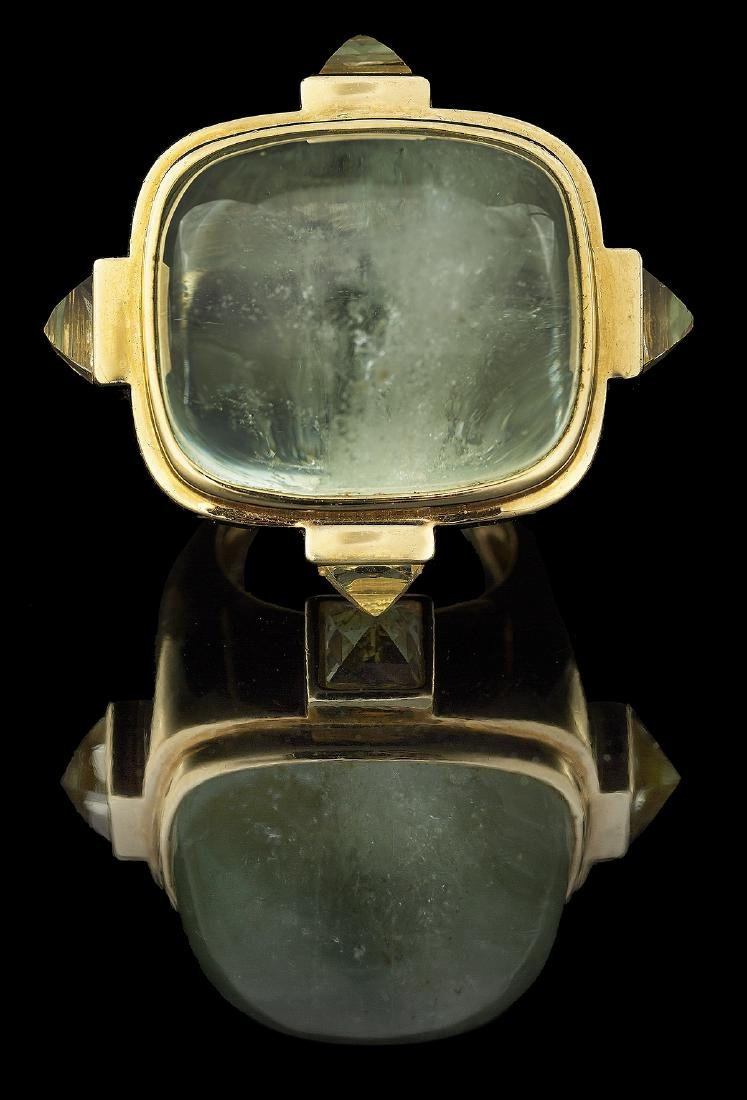 Unusual Gold and Green Beryl Ring