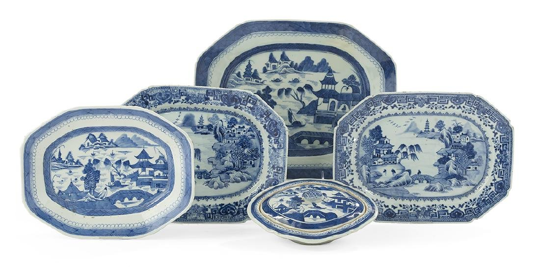 5 Pieces of Chinese Export Blue & White Porcelain