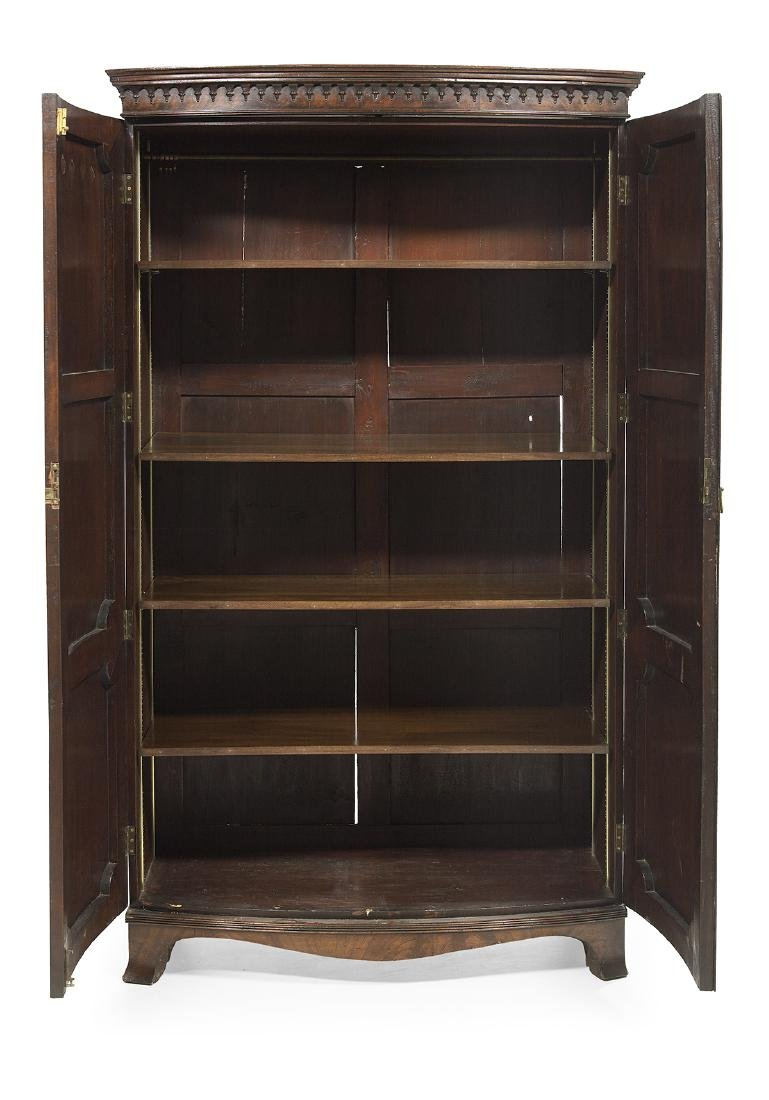 George III-Style Mahogany Bowfront Cabinet - 2